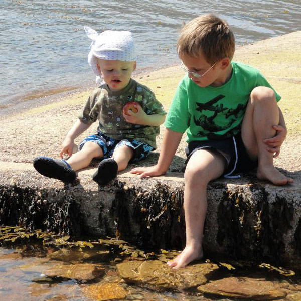 Kids on the pier